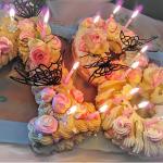 NUMBER CAKE PRALINE A LA POIRE AVEC INSERT CHOCOLAT