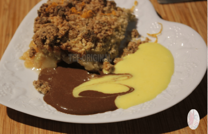 crumble pomme rhubarbe et son duo de sauce a l'orange au thermomix