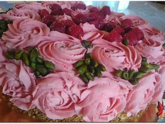Rose cake Edelweiss chocolat blanc framboises