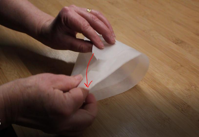 cornet d'écriture pour papillon dentelle au chocolat thermomix