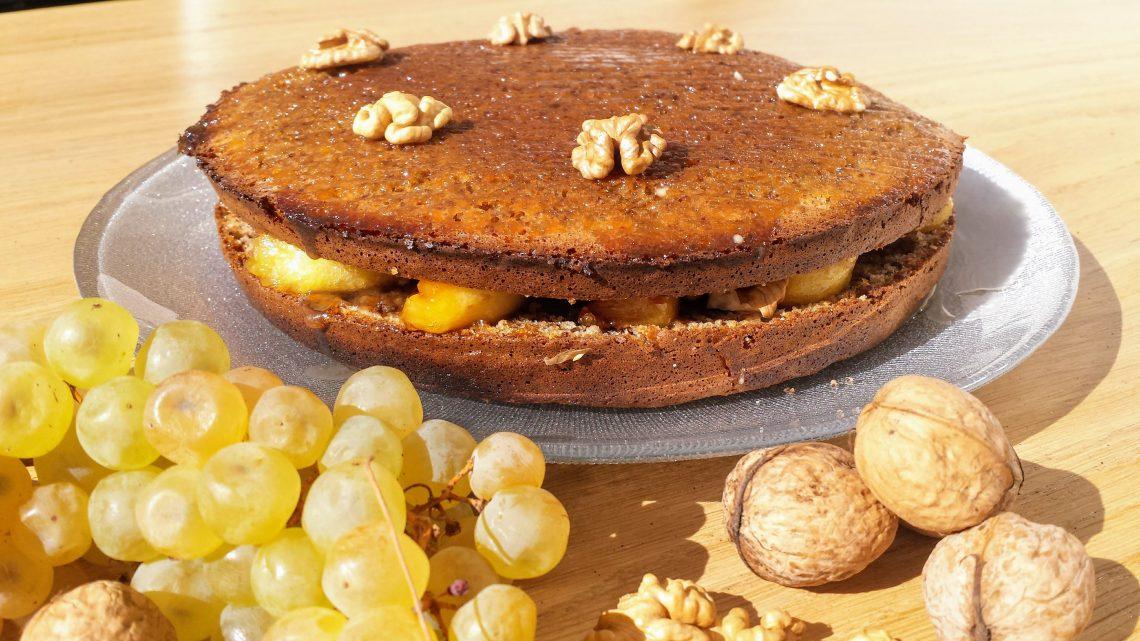 gâteau-correzien-aux-noix-fourré-de-pommes-caramélisée