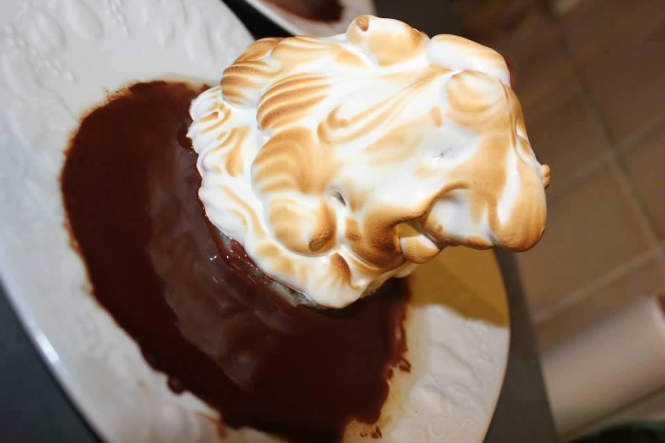 poire en meringue sur son lit de chocolat au thermomix